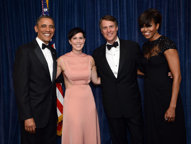 ABC News' Terry Moran, recipient of The Merriman Smith Memorial Award: broadcast category, with President Barack Obama and Mrs. Obama at the 2013 WHCA awards dinner.